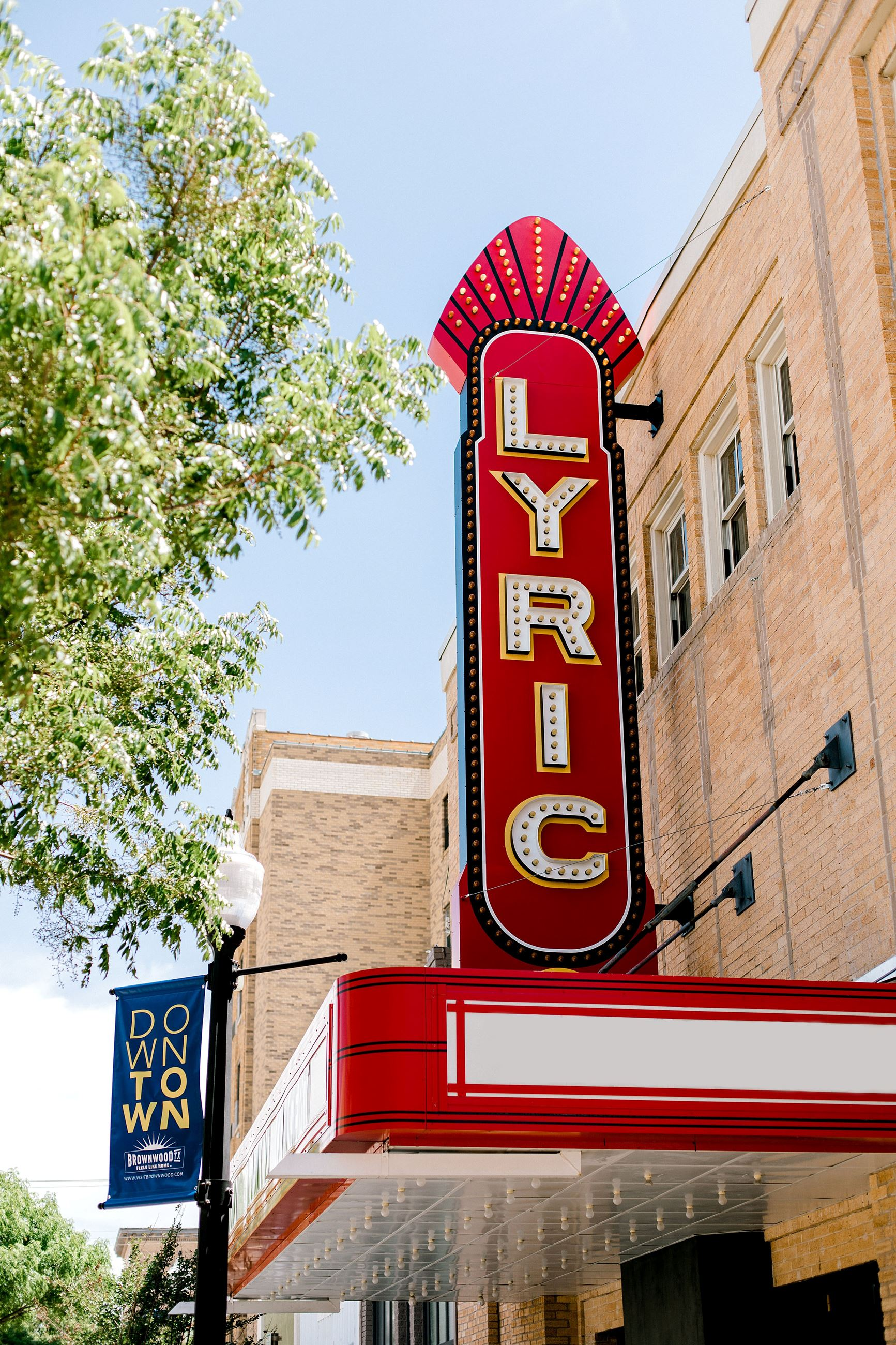 Visit Brownwood Lyric Theatre Sign